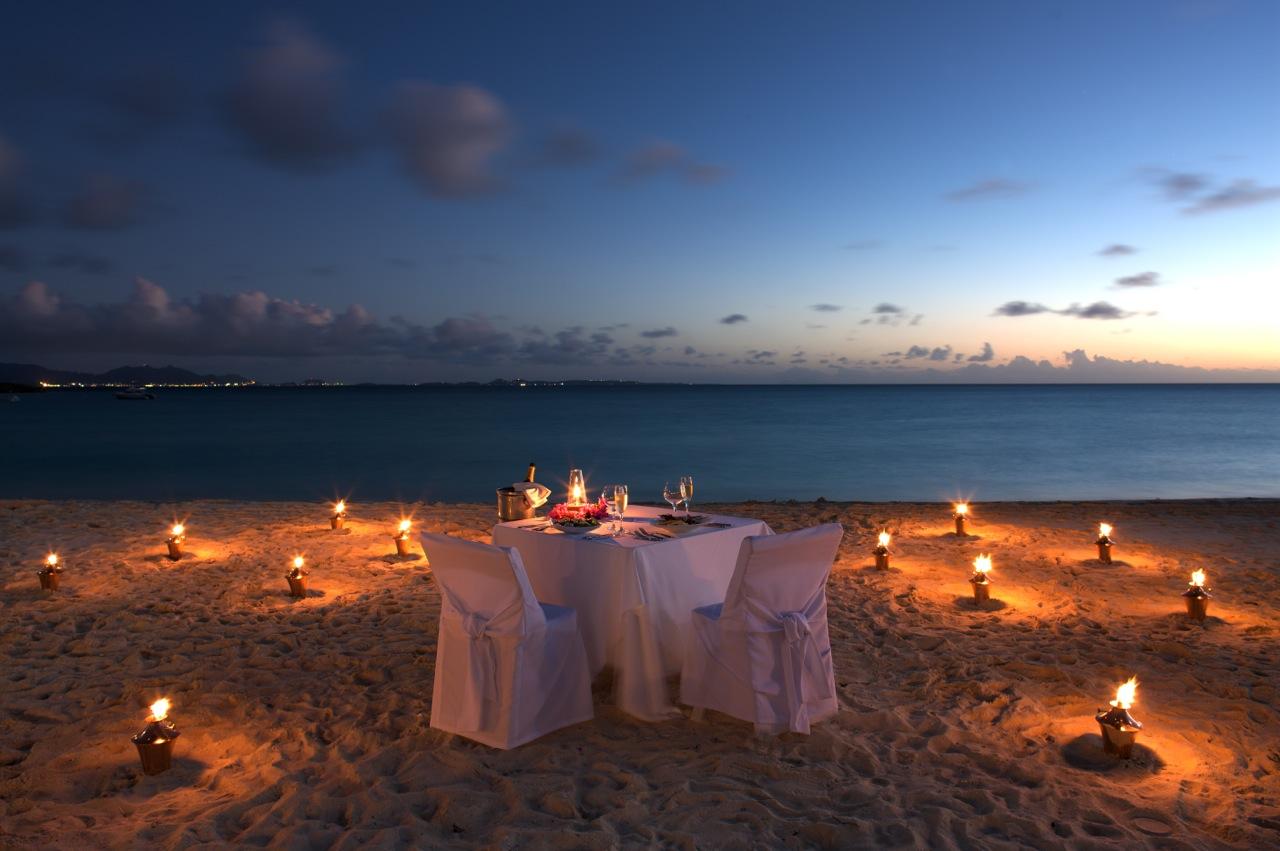 cena sulla spiaggia Maryland Viaggi : Dining Beach Dinner  from www.marylandviaggi.it size 1280 x 851 jpeg 204kB